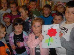 Przedszkolaki w bibliotece w Gnojnicy